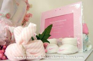 closeup of bottom of bear diaper cake