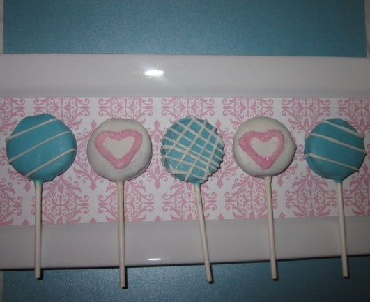 chocolate covered oreo lollipops
