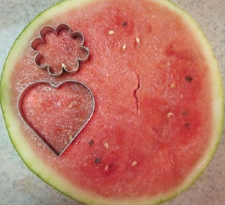 cut watermelon with cookie cutter shapes