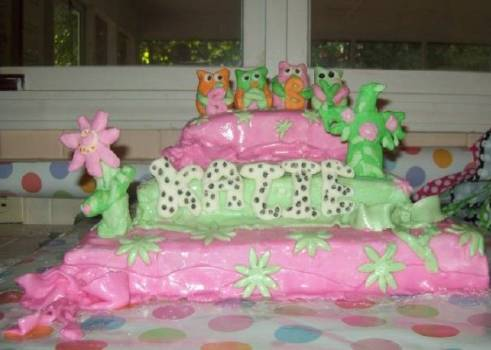green and pink baby owls cake