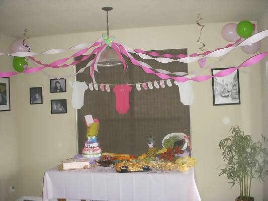 Mod mom whimsical baby shower theme for Home decorations for baby shower
