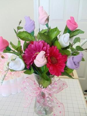 pink daisy and sock rose bouquet