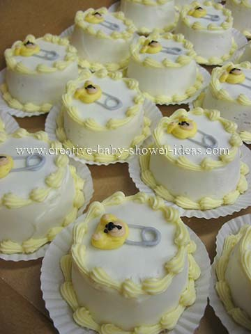 Yellow and White Bear Pin Cupcakes