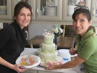 the proud decorators of the clothesline cake
