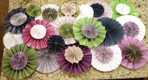 finished pattern of paper rosettes