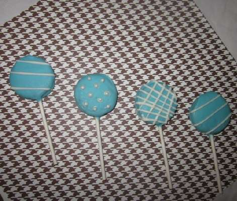 blue stripes and pearls oreo lollipops