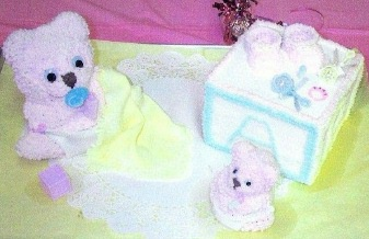 momma and baby teddy bear and blocks cak