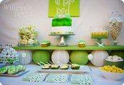 pea in a pod baby shower table