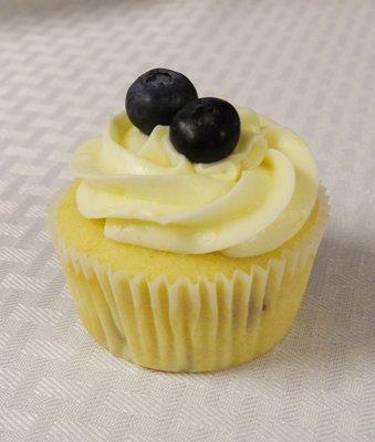 lemon blueberry baby shower cupcakes