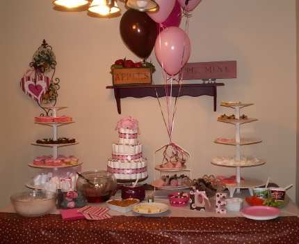 A mod mom baby shower - Pink baby shower table decorations ...
