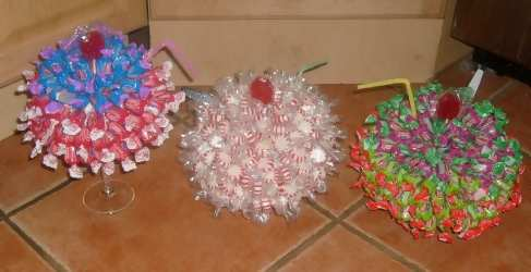 3 candy bouquet sundaes red and blue, red and white and green and blue