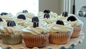 cookies and cream baby shower cupcakes
