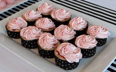 strawberry lemonade baby shower cupcakes